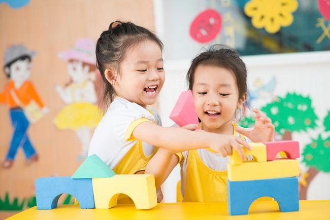 Jenis Pekerjaan yang Bisa Orangtua Ajarkan ke Anak Berdasarkan Usia